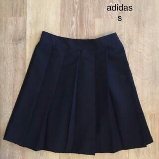 アディダス(adidas)のadidas プリーツスカート(ひざ丈スカート)