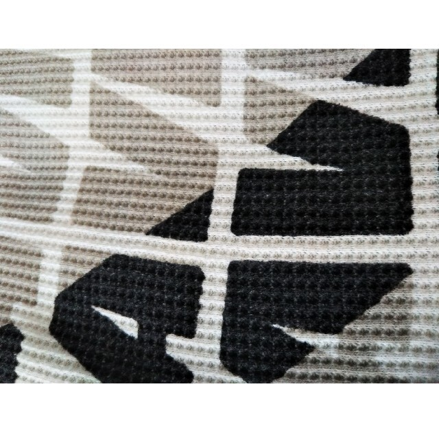 AVIREX(アヴィレックス)のAVIREXアヴィレックスワッフル生地両面ワイルドプリント スエットトレーナー メンズのトップス(スウェット)の商品写真