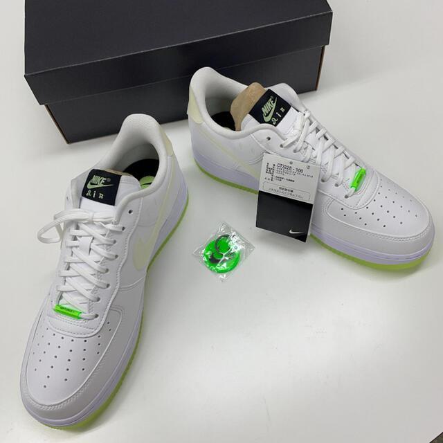 新品 NIKE AIR FORCE 1 '07 LX エアフォース1 スマイリー メンズの靴/シューズ(スニーカー)の商品写真