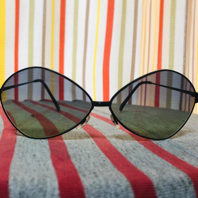 オリバーピープルズ サングラス 新品未使用 メンズのファッション小物(サングラス/メガネ)の商品写真