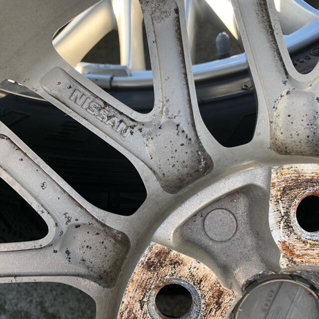 Goodyear(グッドイヤー)のグッドイヤー スタッドレスタイヤ&日産純正アルミホイール4本 自動車/バイクの自動車(タイヤ・ホイールセット)の商品写真