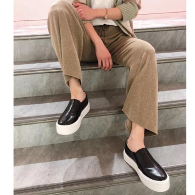 Mila Owen(ミラオーウェン)のREZOY❤️スリッポン レディースの靴/シューズ(スリッポン/モカシン)の商品写真