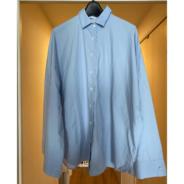 L'Appartement DEUXIEME CLASSE(アパルトモンドゥーズィエムクラス)のL'Appartement GENTLEWOMAN SHIRT  ブルー 美品 レディースのトップス(シャツ/ブラウス(長袖/七分))の商品写真