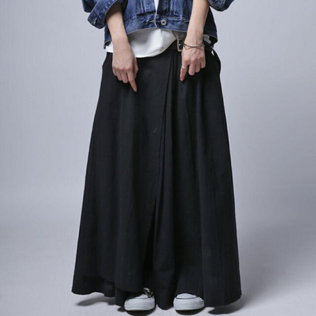 antiqua(アンティカ)の🌸 風合いをデザイン。立体感が増すタック使い。プリーツ風ロングスカート🌸 レディースのスカート(ロングスカート)の商品写真