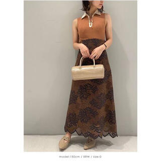 Lily Brown - リリーブラウン バイカラーフラワーレーススカート