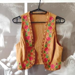 titicaca - チチカカ 花刺繍ベスト