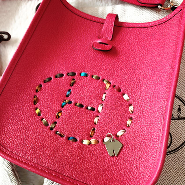 Hermes(エルメス)の新品未使用 HERMES エルメス 最新ピンク エブリンTPM ローズメキシコ  レディースのバッグ(ショルダーバッグ)の商品写真
