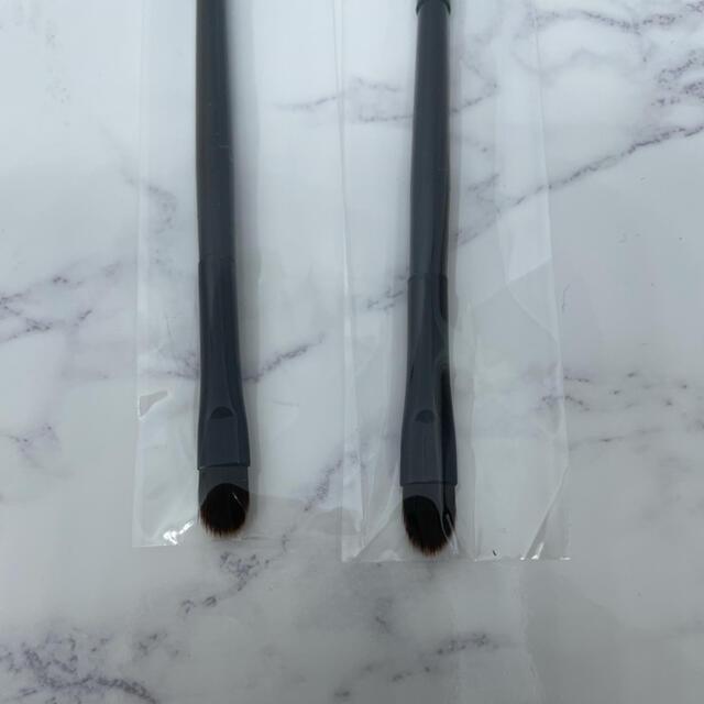 新品未使用 2way アイシャドウチップ アイシャドウブラシ 2本セット コスメ/美容のメイク道具/ケアグッズ(ブラシ・チップ)の商品写真