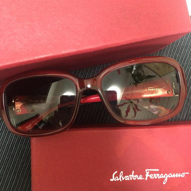 Salvatore Ferragamo(サルヴァトーレフェラガモ)のsalvatore ferragamo サングラス フェラガモ レディースのファッション小物(サングラス/メガネ)の商品写真