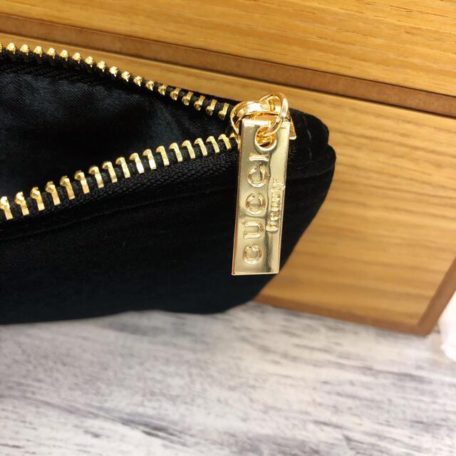 グッチ 香水ノベルティポーチ 黒 新品 レディースのファッション小物(ポーチ)の商品写真