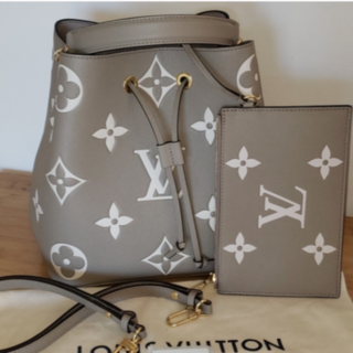 LOUIS VUITTON - 人気!新作☆ルイヴィトン ショルダーバッグ