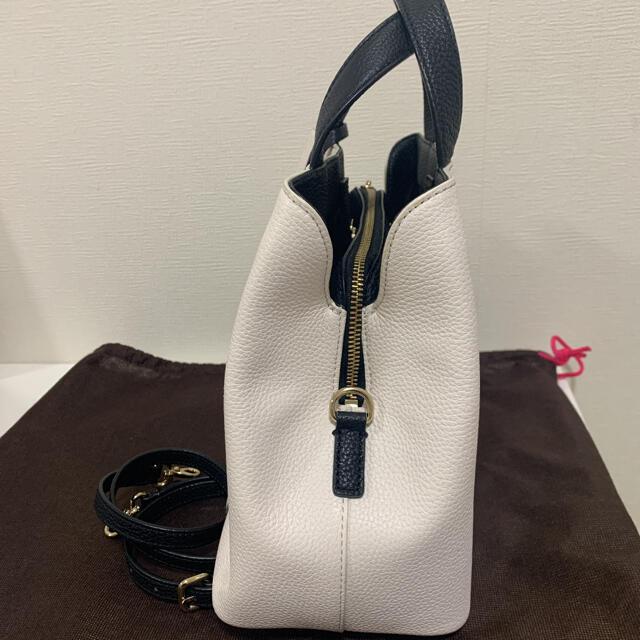 kate spade new york(ケイトスペードニューヨーク)のケイトスペード  フラワー タッセル 2wayバッグ 牛革 レディースのバッグ(ハンドバッグ)の商品写真