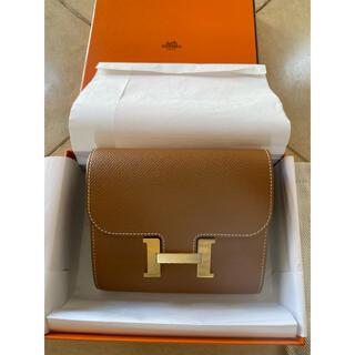 エルメス(Hermes)の新品・コンスタンスコンパクト・ゴールド×ゴールド金具(財布)
