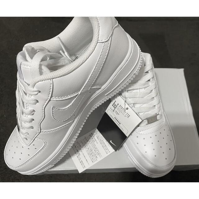 NIKE(ナイキ)の限定値下げ中!NIKEエアーフォース1 23.5cm レディースの靴/シューズ(スニーカー)の商品写真