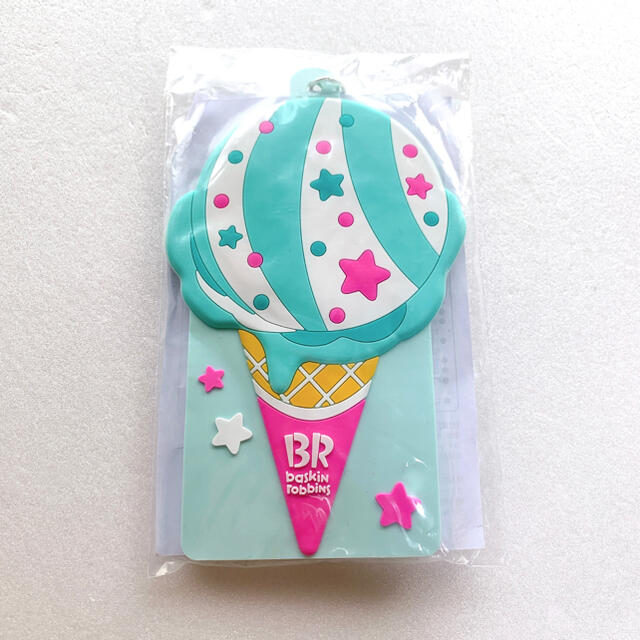 サーティーワン オリジナルパスケース ポッピングシャワー 新品未開封 レディースのファッション小物(パスケース/IDカードホルダー)の商品写真