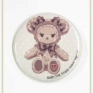 ベイビーザスターズシャインブライト(BABY,THE STARS SHINE BRIGHT)の【新品】くまくみゃちゃんドット柄缶バッジ(ミルクティ)(その他)