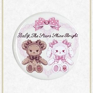 ベイビーザスターズシャインブライト(BABY,THE STARS SHINE BRIGHT)の【新品】くみゃちゃんのリボンとレース缶バッジ(クリーム)(その他)