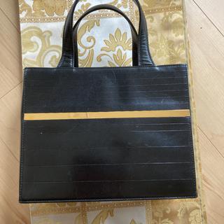 ジャンニヴェルサーチ(Gianni Versace)のジャンニ ヴェルサーチ 黒 トートバッグ ゴールドライン(トートバッグ)