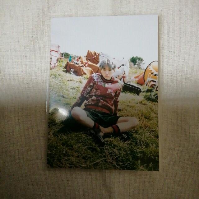 防弾少年団(BTS)(ボウダンショウネンダン)のbts防弾少年団ユンギ花様年華フォト エンタメ/ホビーのタレントグッズ(アイドルグッズ)の商品写真