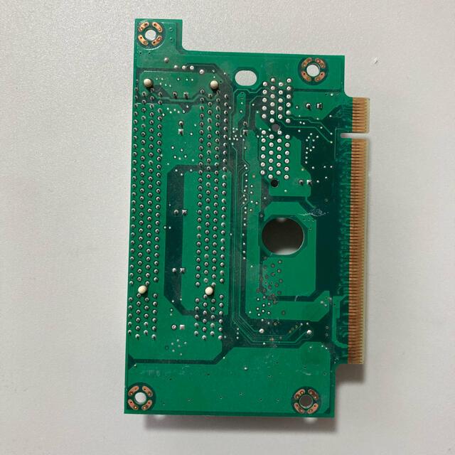 ライザーカード J985B-2/HD206B スマホ/家電/カメラのPC/タブレット(PCパーツ)の商品写真