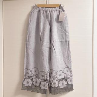 サマンサモスモス(SM2)のツハル サマンサモスモス 花柄メッシュ刺繍パンツ ラベンダー(カジュアルパンツ)