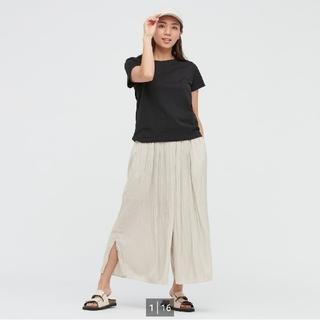 ユニクロ(UNIQLO)のユニクロ ワッシャーサテンスカートパンツ 標準丈 L(カジュアルパンツ)