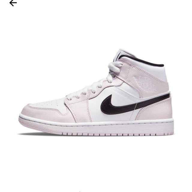 NIKE(ナイキ)のNIKE WMNS AIR JORDAN 1 MID ライトバイオレット  レディースの靴/シューズ(スニーカー)の商品写真