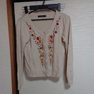 ページボーイ(PAGEBOY)の刺繍カーディガン(カーディガン)