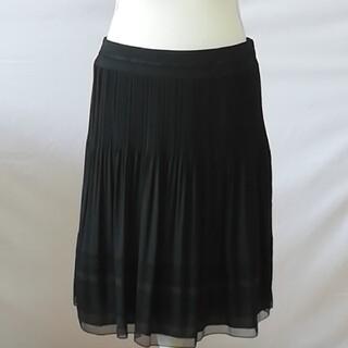 ジユウク(自由区)の美品、自由区、プリーツチュールお洒落柄スカート、サイズ42、XL、13号。(ひざ丈スカート)