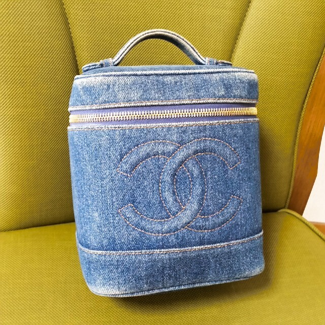 CHANEL(シャネル)のデニム、バニティ、ハンドバッグ レディースのファッション小物(ポーチ)の商品写真