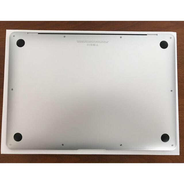 Apple(アップル)のMacBook Air 2020 i3 8GB/SSD 256GB シルバー スマホ/家電/カメラのPC/タブレット(ノートPC)の商品写真