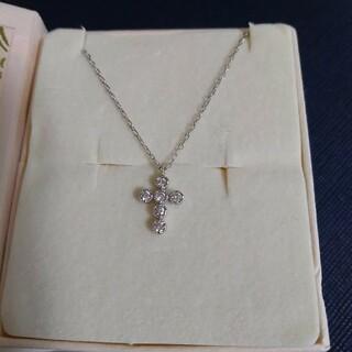 K18WG ミニクロスダイヤモンドネックレス