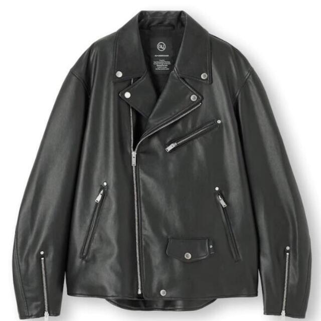 GU(ジーユー)のGU xUndercover  新品本物ライダースレザージャケットM 完売品 メンズのジャケット/アウター(レザージャケット)の商品写真