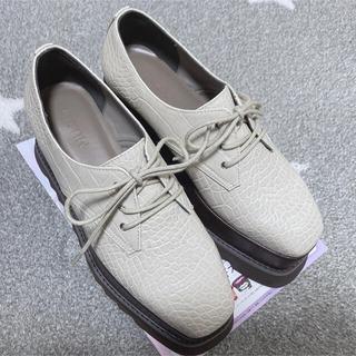 ムルーア(MURUA)のMURUA ムルーア 厚底ローファー シューズ アイボリー ホワイト(ローファー/革靴)