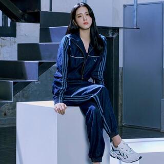 アディダス(adidas)のadidas デニムパンツ(デニム/ジーンズ)