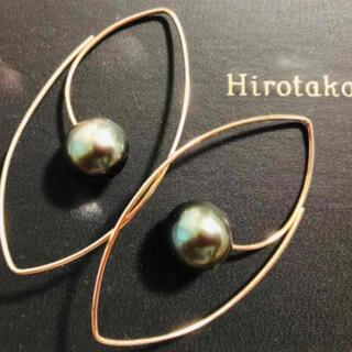 エストネーション(ESTNATION)のHirotaka  タヒチアンパール ブラックパール オーバルフープピアス(ピアス)
