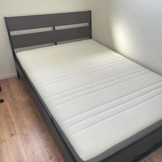 イケア(IKEA)の【ブロード様専用】IKEA ベッドフレーム + マットレス おまけ多数(ダブルベッド)