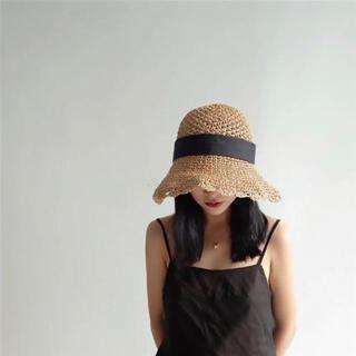 ザラ(ZARA)の新品 スカラップ サマーハット 麦わら帽子 ストローハット ベージュ リボン(麦わら帽子/ストローハット)