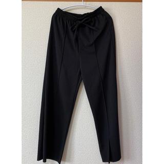 ストレートパンツ センターシーム 裾スリット(カジュアルパンツ)