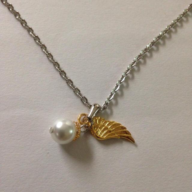 ハンドメイド天使の羽パールネックレス ハンドメイドのアクセサリー(ネックレス)の商品写真