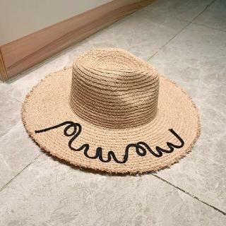 ミュウミュウ(miumiu)のmiumiu麦わら帽子。(麦わら帽子/ストローハット)