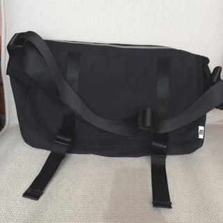 エルディーエス(LDS)の《新品》LDS購入 アリウス(arius)のメッセンジャーバッグ 黒 ブラック(メッセンジャーバッグ)