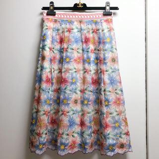 クイーンズコート(QUEENS COURT)の新品 未使用品☆QUEENS COURT☆可愛い花柄レーススカート(ひざ丈スカート)