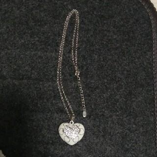 エムズグレイシー(M'S GRACY)のエムズグレイシー ネックレス ハート パヴェ 型抜き 白 シルバー(ネックレス)