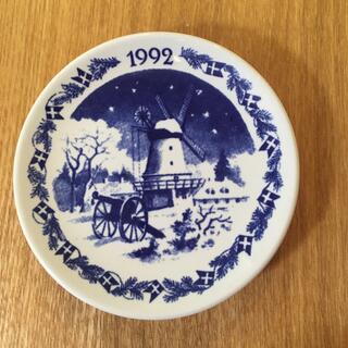 ロイヤルコペンハーゲン(ROYAL COPENHAGEN)のROYAL COPENHAGEN ミニ イヤープレート 1992(食器)