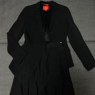 ヴィヴィアンウエストウッド(Vivienne Westwood)のヴィヴィアン セットアップ ジャケット スカート(セット/コーデ)