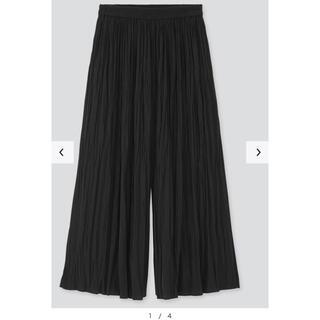 ユニクロ(UNIQLO)のワッシャー サテンスカートパンツ(カジュアルパンツ)