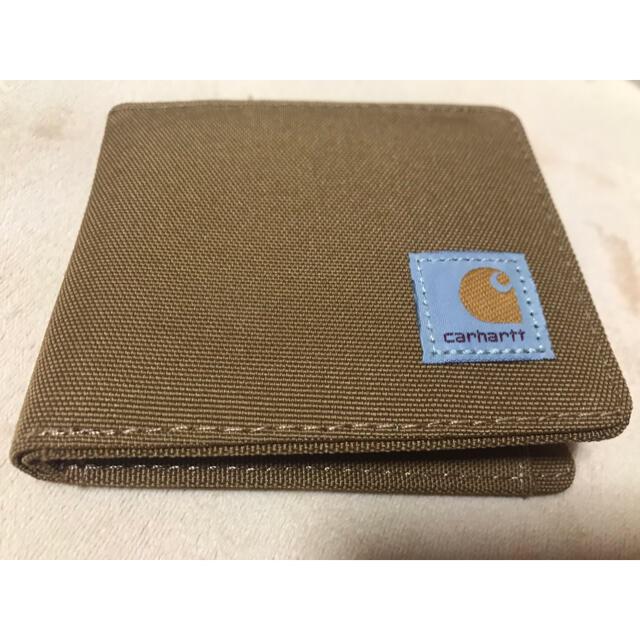 carhartt(カーハート)のカーハート Carhartt二つ折り財布 キャラメル おまけの箱付き メンズのファッション小物(折り財布)の商品写真