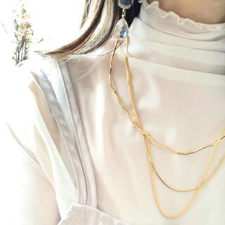 エモダ(EMODA)の3連ネックレス(ネックレス)