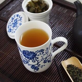 茶こし付きマグカップ☘️ 青花 台湾茶器✨  風清堂 薬膳 陶器 白湯 カルディ(グラス/カップ)
